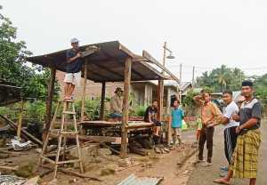 Kepala Dusun Ompoa bersama warganya bangun posko siaga Covid19