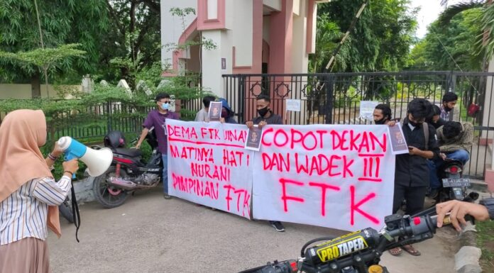 Akibat Insiden Pelemparan, DEMA FTK UINAM Menuntut Pimpinan Untuk Mundur Dari Jabatannya.