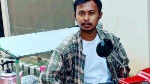 Cerita Seorang Mahasiwa Penjual Kopi Keliling Demi Membayar SPP